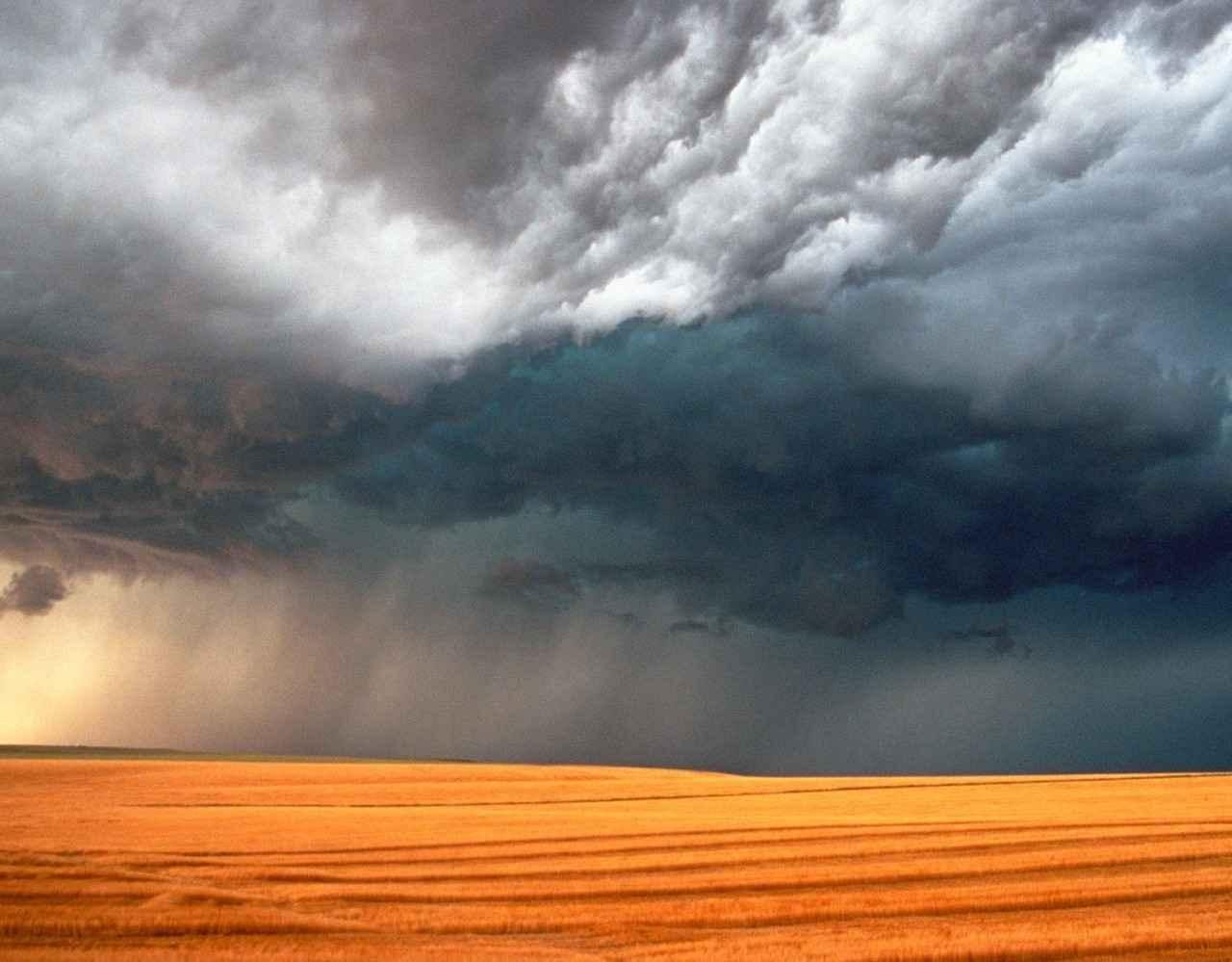 Осенние катастрофы - результат сброса в природе накопленного летнего жара